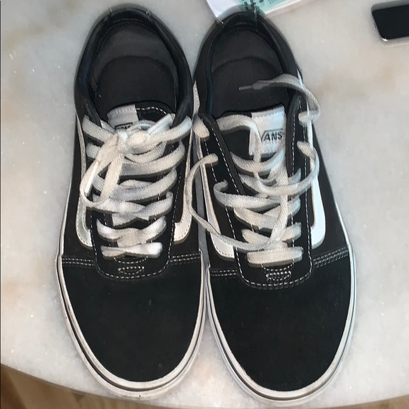 Black and white vans in good condition